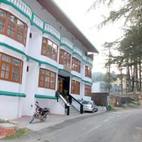 Budget hotel in Dhanaulti