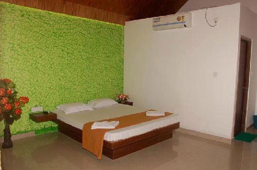 Holiday Inn Beach Resort