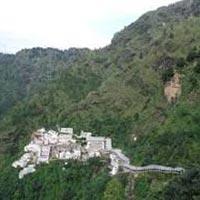 Students Tour Packages (Kashmir-Vaisnodevi-Amritsar (13D)
