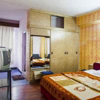 Trishul Hotel in Manali Tour