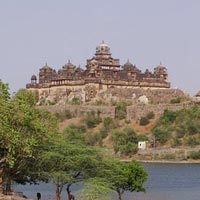 Central India Budget Tour Package with Agra Taj Mahal