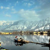 Kashmir Houseboat Tour With Gulmarg And Pahalgam