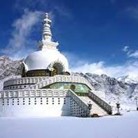 Across Kashmir to Ladakh Tour