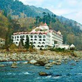Manali Honeymoon 3 star package for 6 days