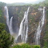 Bhopal Pachmarhi Tour (Family Special)