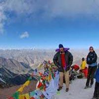 Stok Kangri - 6140 meters Tour