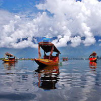 Kashmir Holiday Tour Package 6N-7D