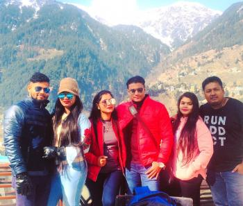 Honeymooners in Manali !