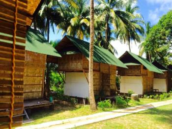 EMERALD GECKO Beach Resort
