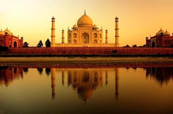 Taj Mahal-(Agra)