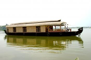 Three bedroom houseboat - 1