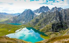 alpatheri lake at gulmarg 3km from 2nd phese of cable car