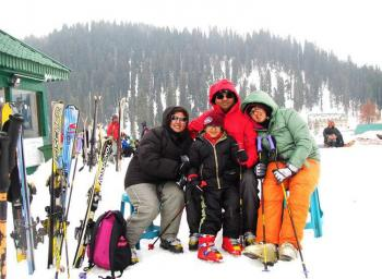 TOURISTS ENJOYING AT GULMARG