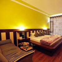 f. suite room interior
