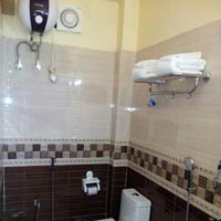 Triple Bed Bath room