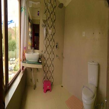 Washroom Jr. Suite 2