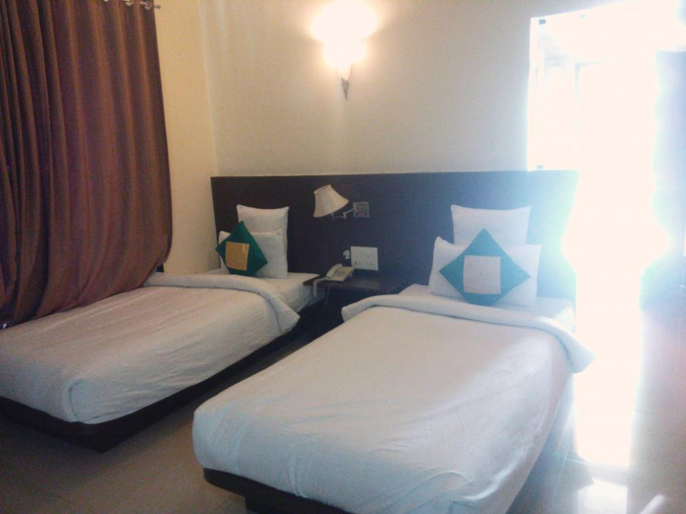 Twin Bed Double Room