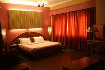 BOUBLE BEDROOM