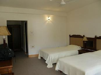 spacious room with balcony