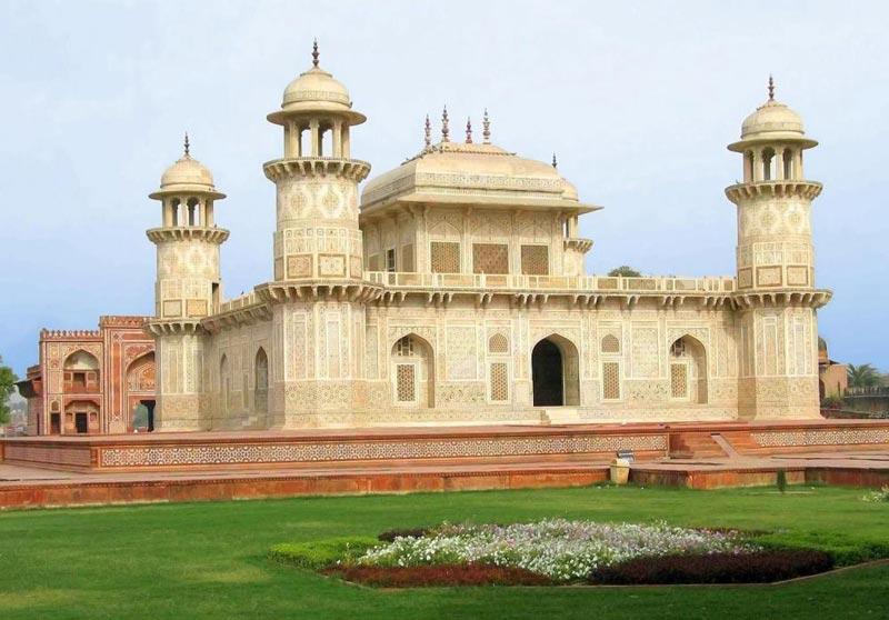 Agra day tours