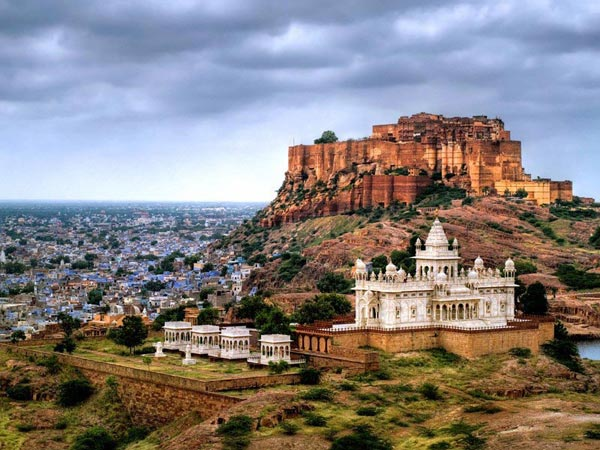 Jaipur -ajmer -pushkar -chittorgarh -udaipur - Mount Abu Tour