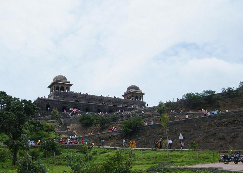 3 Days Mandu Tour Package (Monsoon Special).