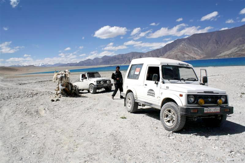 Offroading 4×4 Trip Till The Edge of The World ( Ladakh ) Tour