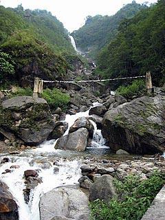 Lachung - Yumthang - Gangtok Tour