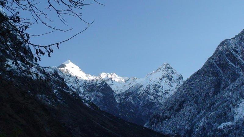 Gangtok - Lachen - Lachung - Darjeeling Tour