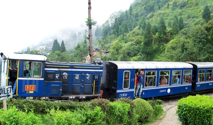 Student Trip In Darjeeling Queen Of Hill Station
