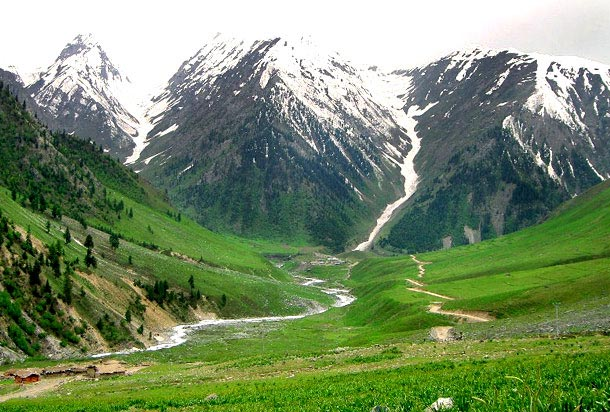 A Lovers Paradise Vale of Kashmir Tour