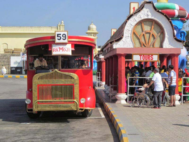 Hyderabad-Ramoji Film City Tour