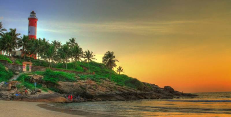 Munnar with Kovalam Tour