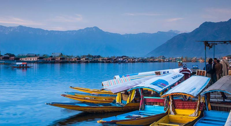 Kashmir Houseboat Package Tour