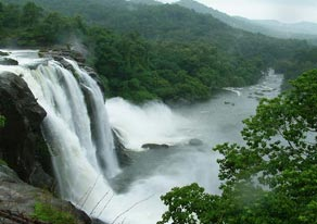 Kerala monsoon Tour Package 4 Nights 5 Days With Free Ayurvedic Massage