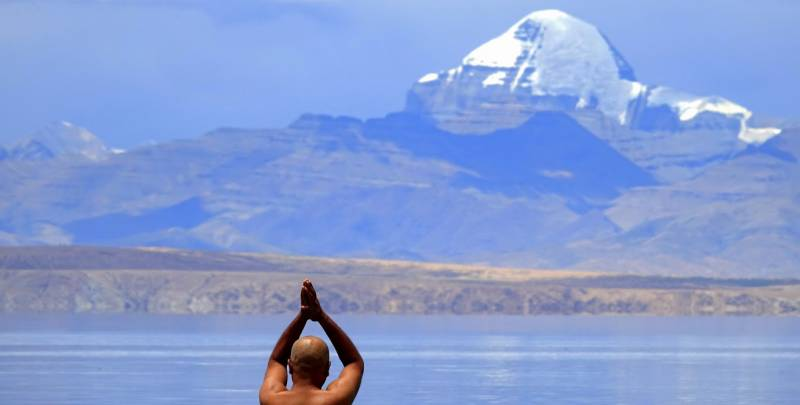 Kailash Manasarovar Yatra By Helicopter Tour