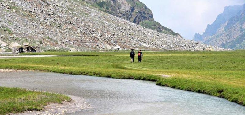 Trek To Kalihani Pass (Himachal Pradesh) Tour