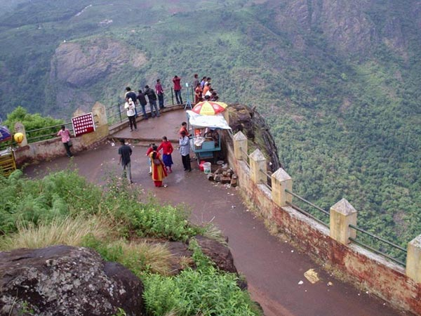 Bangalore - Mysore - Ooty - Kodaikanal - Rameshwar 9 Days / 8 Nights Tour