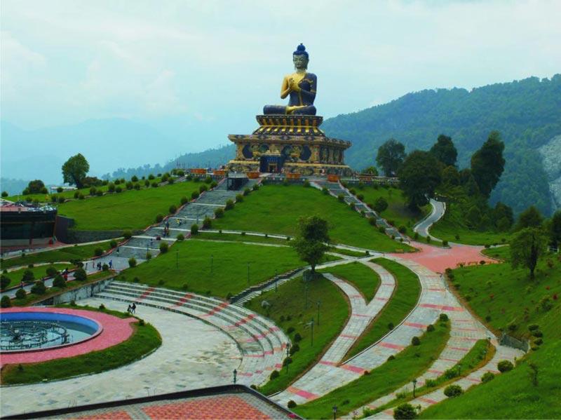 Darjeeling - Gangtok - Pelling - Lachung - Yumthang Valley 10 Days / 9 Nights Tour