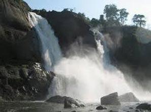 Cochin-Munnar-Thekkady- Kanyakumari-Kovalam-Kumarakom-Alappuzha Houseboat- Athirapilly -Cochin (11n)