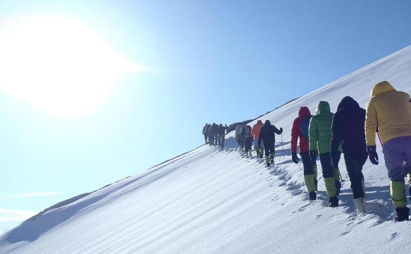Chopta Deoriatal Tungnath Chandrashila Summit Trekking Package