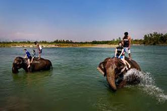 Group Tours / Nepal - Pokhara - Chitwan Park