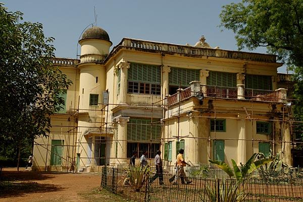 Book bengal heritage tour kolkata shantiniketan for Shantiniketan tagore