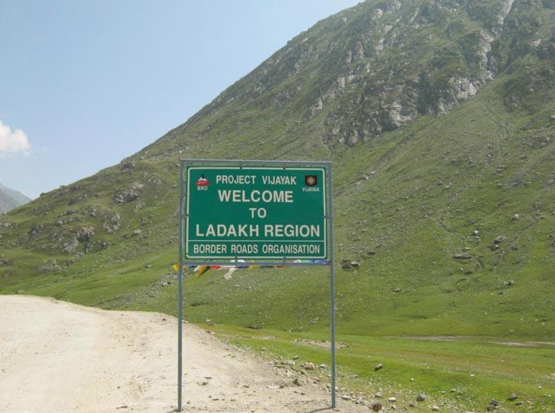 Leh - Alchi - Sangam - Nubra - Hemis - Pangong - Tsomoriri - Tsokar Tour