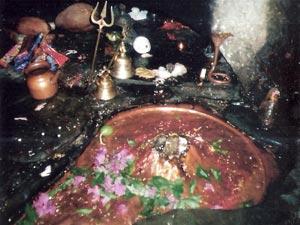 Patal Bhubaneswar Tour