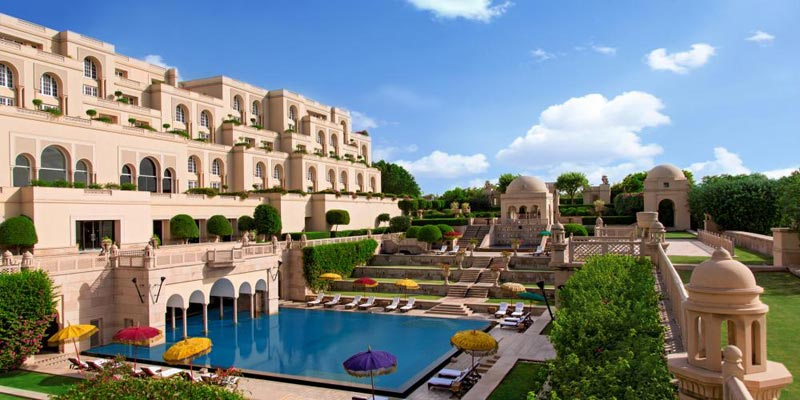 Enjoy private view of Taj with hotel Oberoi Amravillas