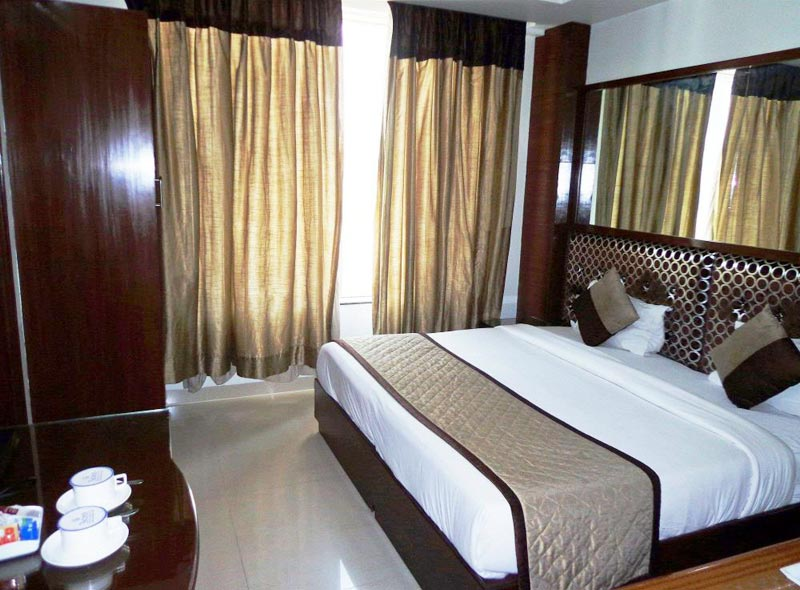 Delhi Weekend Tour With Hotel Sohi Residency