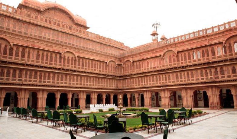 Luxurious Bikaner tour with Laxmi Niwas Palace