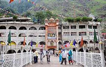 Golden Temple-Manikaran Sahib Pilgrimage Package