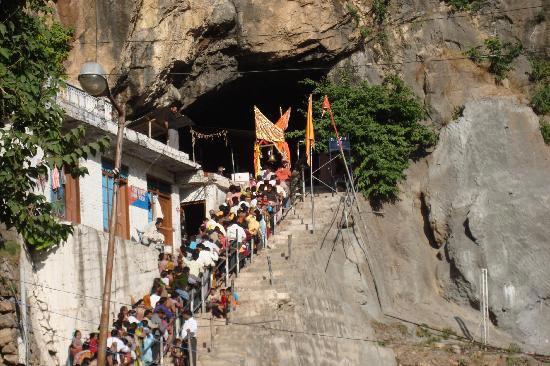 3N4D - Vaishno Devi Shivkhori Tour